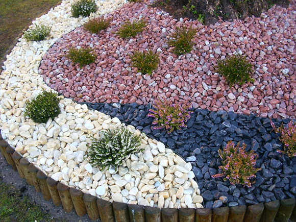 Decoracin de Jardines con Piedras de Colores